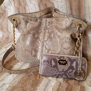 MICHAEL KORS Snakeskin Print Bag With Wallet